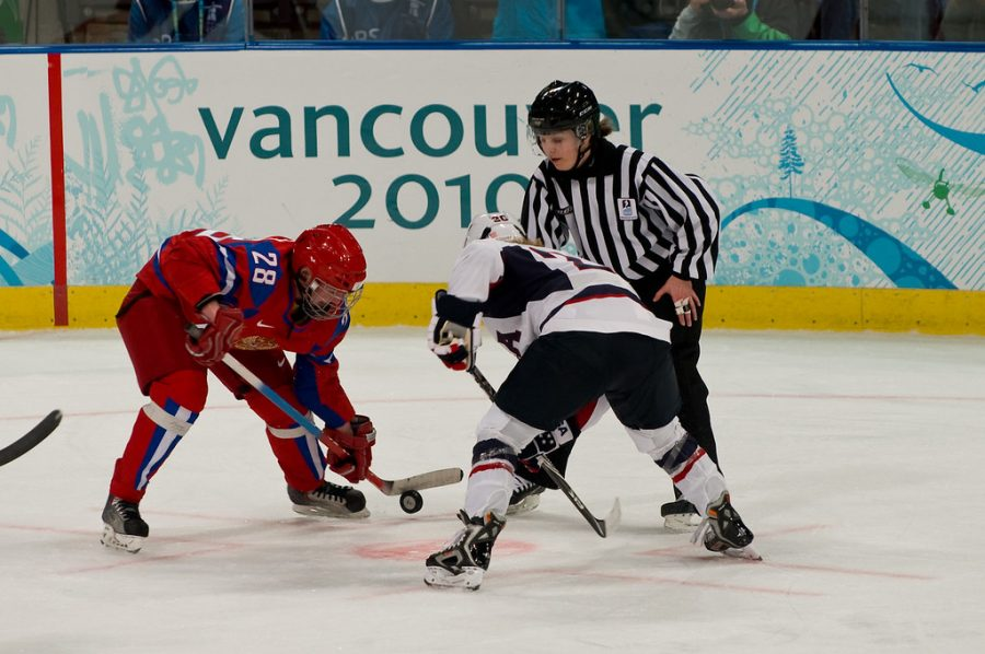 Women's Hockey USA vs. Russia by Peter Anderson via Flickr under CC