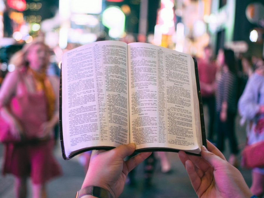 Religious discussion is fleeting, and public school is only making matters worse. Photo courtesy of Aaron Burden on Unsplash.
