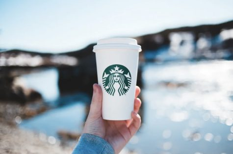 Starbucks vs. Dunkin' Donuts: Why pick one over the other?