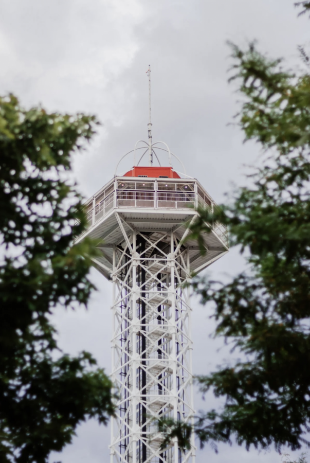 Elitches observation tower that is 250 feet high. Photo by Vine Ramazani.
